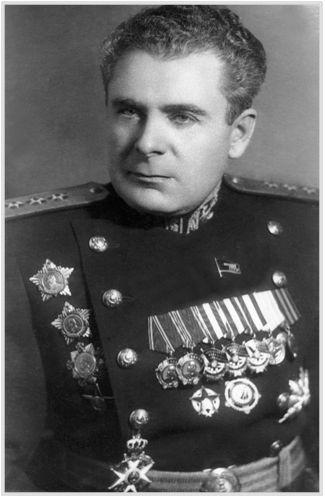Картинки по запросу адмирал Арсений Головко