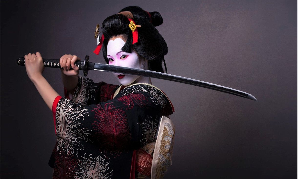 Японка с мечом картинка